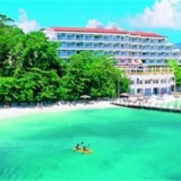 Sandals Grande Riviera Beach & Villa Golf Resort Ocho Rios