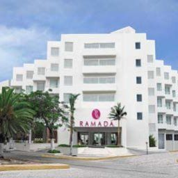 Exterior view Ramada Cancun City