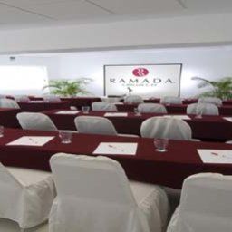 Conference room Ramada Cancun City