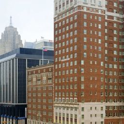 Vista esterna DoubleTree Suites by Hilton Detroit Downtown - Fort Shelby