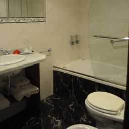 Camera da bagno Le Vitral Baires Hotel Boutique