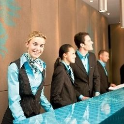Reception Motel One Westbahnhof