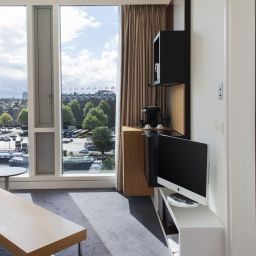 Junior suite DoubleTree by Hilton Amsterdam Centraal Station Earlier Mint Hotel