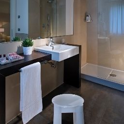 Bathroom Annia Park Hotel