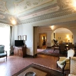 Hall Villa Sermolli