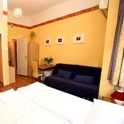 Chambre Club Apartments & Rooms