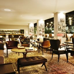 Vista all'interno Square Nine Hotel Belgrade