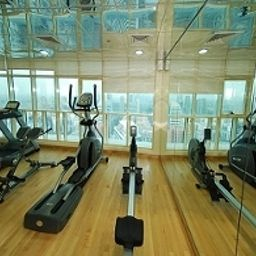 Fitness Auris First Central Hotel Suites