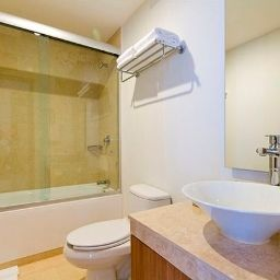 Bathroom Plaza Suites México