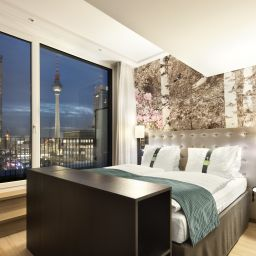 Junior Suite Holiday Inn BERLIN - CENTRE ALEXANDERPLATZ