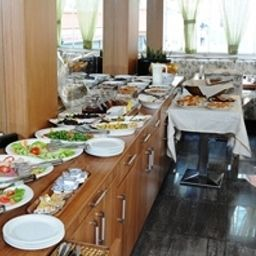 Buffet The Marionssuites LUXURY SUITES Fotos