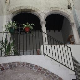 Medieval Suites Apartments Гирона