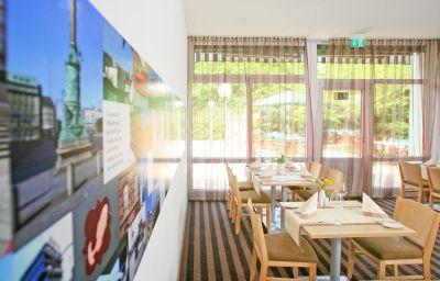 Sala de desayuno Park Inn by Radisson