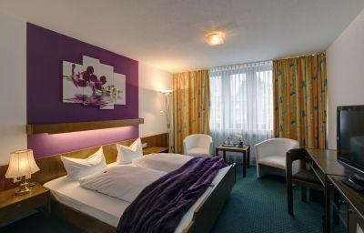 Brenner-Bielefeld-Room-9-32.jpg
