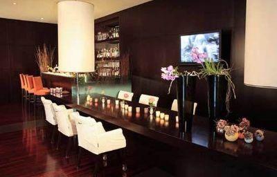 Starhotels_Excelsior-Bologna-Hotel_bar-1-330.jpg