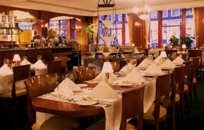 Die_Port_van_Cleve-Amsterdam-Restaurant-1-495.jpg