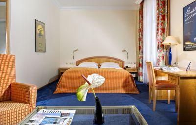 Wyndham_Duisburger_Hof-Duisburg-Suite-6-520.jpg