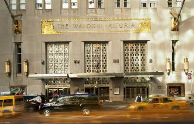 Vista exterior Waldorf Astoria New York