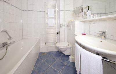 Park_Hotel_Post_Am_Colombipark-Freiburg-Bathroom-2-843.jpg