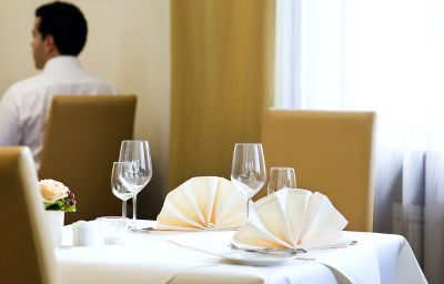 Mercure_Hotel_Bristol_Stuttgart_Sindelfingen-Sindelfingen-Restaurantbreakfast_room-5-964.jpg