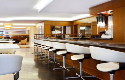 Sheraton_Roma_Conference_Center-Rome-Hotel_bar-1081.jpg