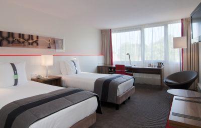 Holiday_Inn_EINDHOVEN-Eindhoven-Room-19-1165.jpg