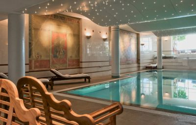 Piscina Lausanne Palace and Spa