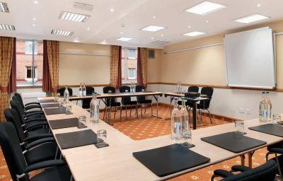 Hilton_Bristol-Bristol-Conference_room-2-1442.jpg