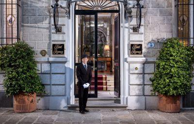 Picture Regency Hotel