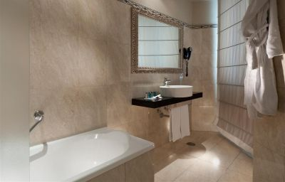 Room C-hotels Ambasciatori