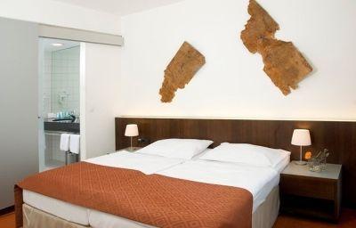 Austria_Trend_Hotel_Europa_Wien-Vienna-Room-18-1953.jpg