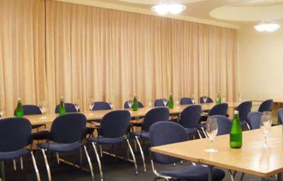 Holiday_Thun-Thun-Conference_room-1971.jpg