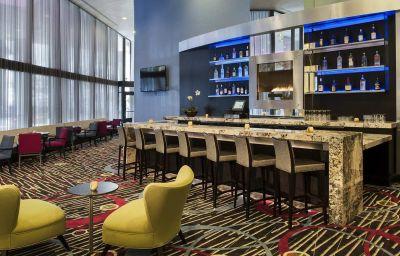 Bar de l'hôtel DoubleTree by Hilton Chicago - Magnificent Mile