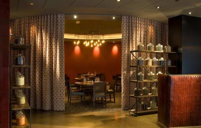 DoubleTree_by_Hilton_Chicago_-_Magnificent_Mile-Chicago-Restaurant-10-2112.jpg