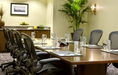 DoubleTree_by_Hilton_Chicago_-_Magnificent_Mile-Chicago-Conference_room-6-2112.jpg