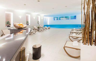 Swimming pool Crowne Plaza BERLIN - CITY CTR NURNBERGER
