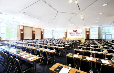Crowne_Plaza_BERLIN_-_CITY_CTR_NURNBERGER-Berlin-Conference_room-28-2288.jpg