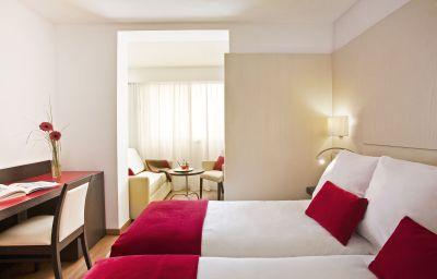 Triple room Grupotel Gravina