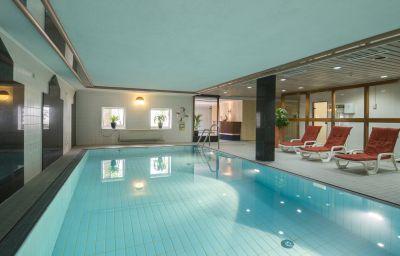 Piscina Mercure Hotel Wiesbaden City