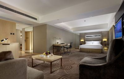 The_Royal_Garden-Hong_Kong-Junior_suite-2962.jpg