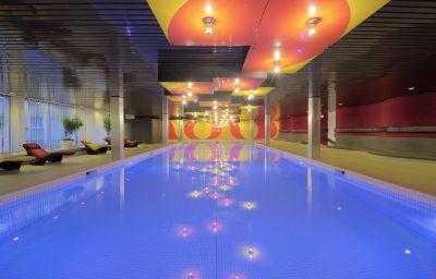 Piscina Basel Radisson Blu Hotel