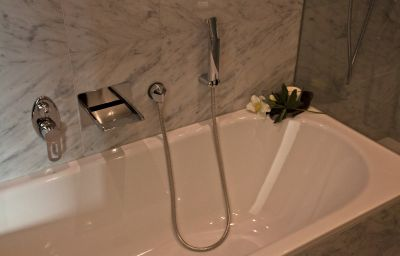 San_Gian_Hotel-Sankt_Moritz-Bathroom-3030.jpg