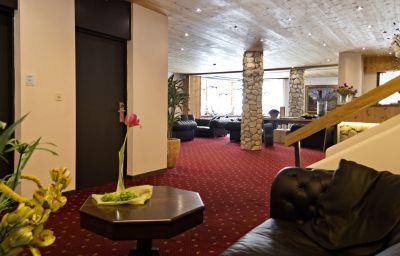 San_Gian_Hotel-Sankt_Moritz-Hall-3030.jpg