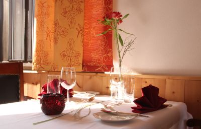 San_Gian_Hotel-Sankt_Moritz-Restaurant-3030.jpg