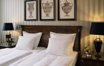 Romantik_Hotel_das_Smolka-Hamburg-Double_room_superior-5-3213.jpg