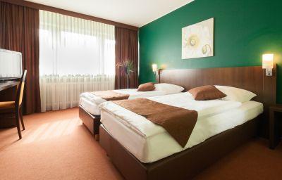 Mondial-Langenfeld-Family_room-1-3540.jpg