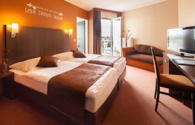 Room with balcony Mondial