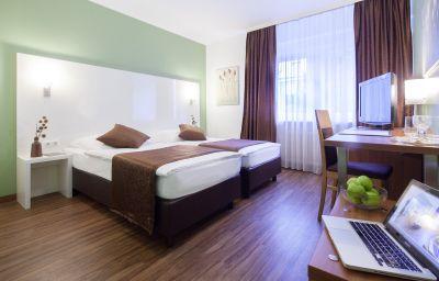 Mondial-Langenfeld-Double_room_standard-3540.jpg