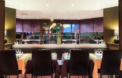 Restaurant/salle de petit-déjeuner Quality Hotel Mediterranee