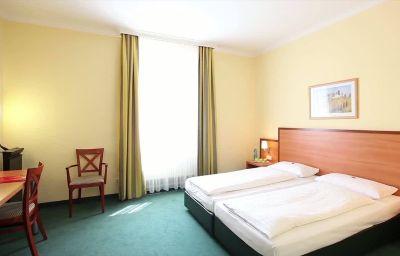 InterCityHotel-Munich-Room-5-4053.jpg